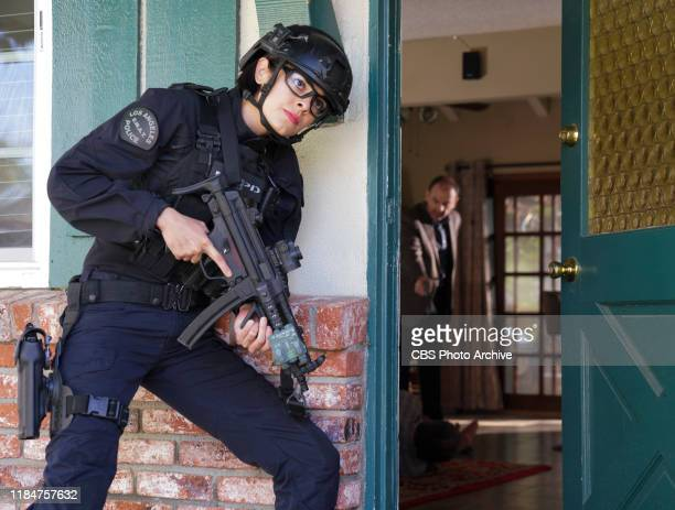 Sea Legs The SWAT team joins forces with the Los Angeles Organized Crime division to recover an officer abducted during a failed undercover operation...