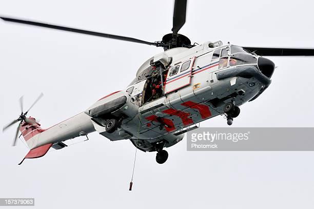 elicottero di salvataggio in mare - helicopter emergency foto e immagini stock