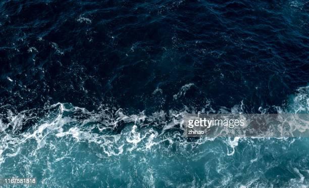 sea spray - mar fotografías e imágenes de stock