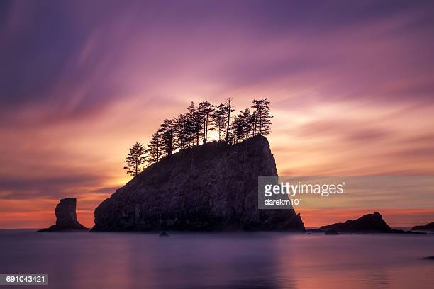 Sea stack at sunset, Second Beach, La plush, Washington, America, USA