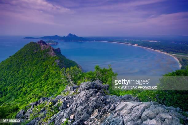 sea view on the hill. - プラチュアップキリカン県 ストックフォトと画像