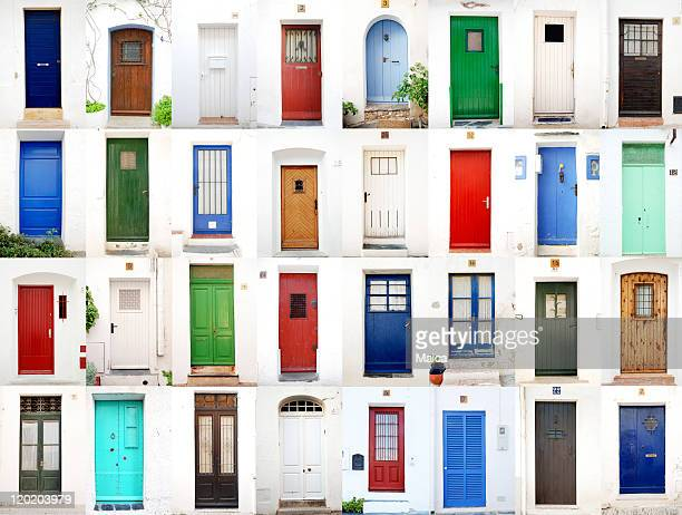 sea village doors - deur stockfoto's en -beelden