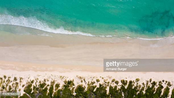 mar que pronto - marea fotografías e imágenes de stock