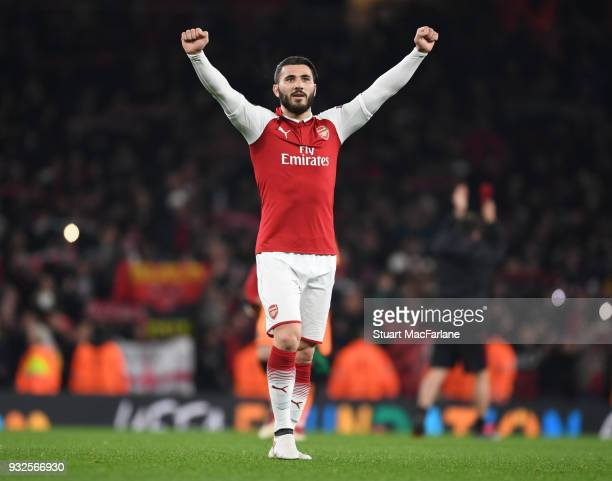 Sead Kolasinac celebrates Arsenal win after the UEFA Europa League Round of 16 match between AC Milan and Arsenal at Emirates Stadium on March 15...