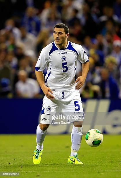 Sead Kolasinac of BosniaHerzegovina controls the ball during the international friendly match between BosniaHerzegovina and Argentina at Busch...