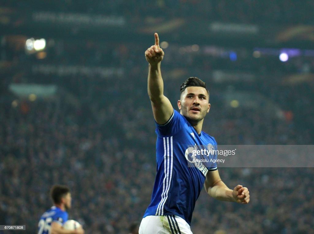 FC Schalke 04 vs Ajax Amsterdam : UEFA Europa League Quarter Final : News Photo