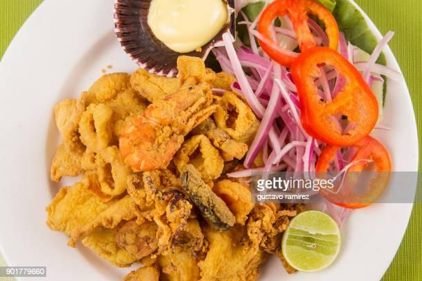 seafood based on shrimp - comida peruana fotografías e imágenes de stock
