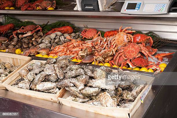 seafood brasserie, paris, france - brasserie stock pictures, royalty-free photos & images