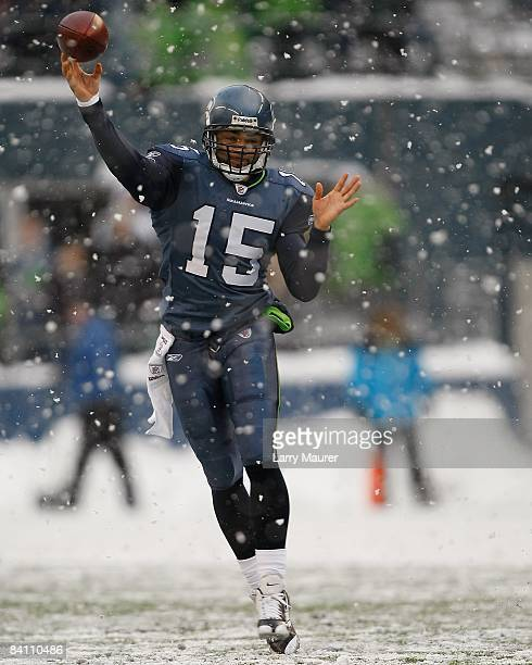 Seahawks quarterback Seneca Wallace throws the ball during the game between the Seattle Seahawks and the New York Jets at Qwest Field in Seattle...