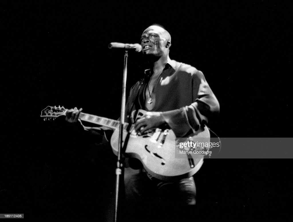 Seal Hollywood Bowl 1995