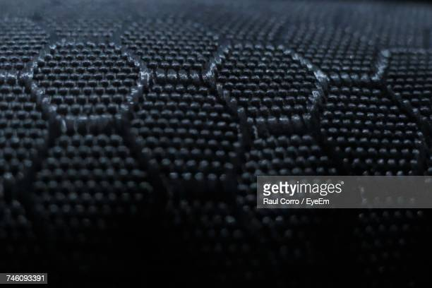seamless hexagon shape wire mesh - stereoscopic images stock photos and pictures