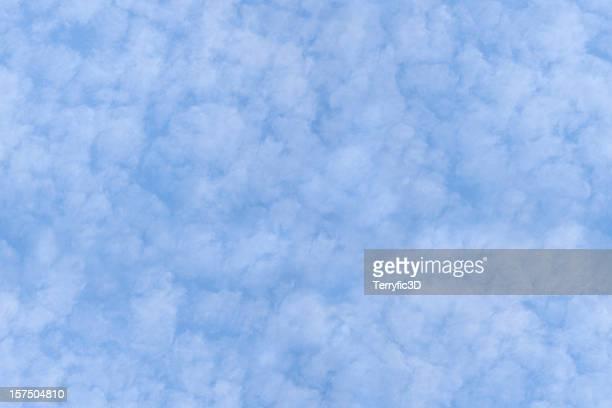 seamless repeating background tile - cirrocumulus clouds - terryfic3d stockfoto's en -beelden