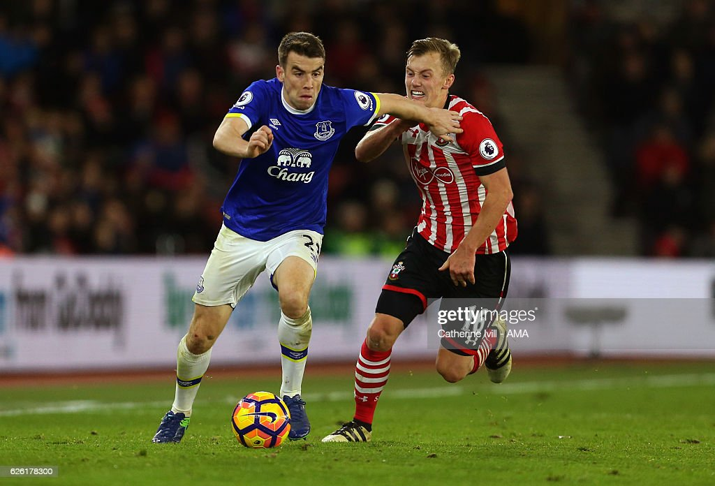 Seamus Coleman of Everton and James Ward-Prowse of Southampton during the Premier League match between Southampton and Everton at St Mary's Stadium on November 27, 2016 in Southampton, England.