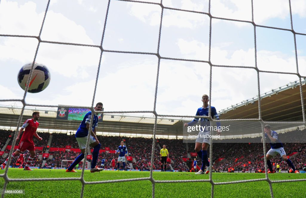 Seamus Coleman of Everton puts his head in his hands as scores an own goal to makes it 2-0 during the Barclays Premier League match between Southampton and Everton at St Mary's Stadium on April 26, 2014 in Southampton, England.