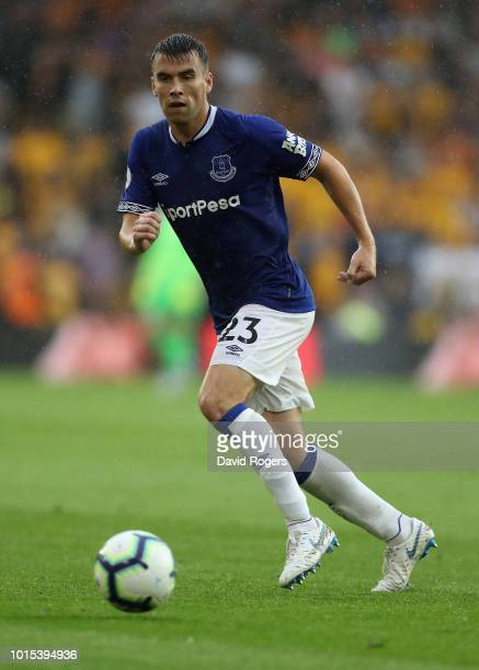 Seamus Coleman of Everton runs with the ball during the Premier League match between Wolverhampton Wanderers and Everton FC at Molineux on August 11...