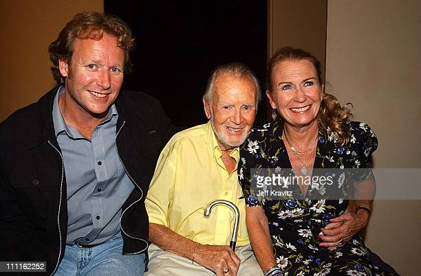 Sean Alquist Sir John Mills Juliet Mills during Party for the play Lemonade in Los Angeles California United States