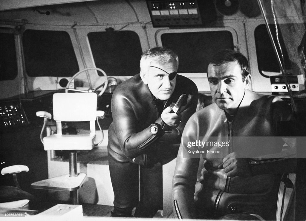 Sean Connery And Adolfo Celi In A Scene Of The James Bond Movie Thunderball. 1965 : Photo d'actualité