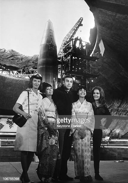 Sean Connery And James Bond Girls On The Film Setting Of You Only Live Twice 1966 The actresses are Lois Maxwell Akiko Wakabayashi Mie Hama and Karin...