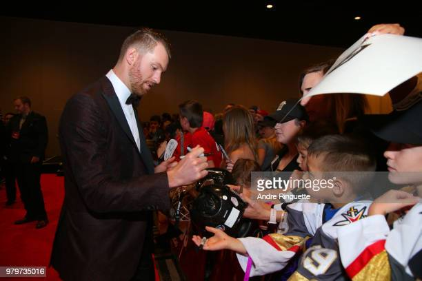 Sean Couturier of the Philadelphia Flyers arrives at the 2018 NHL Awards presented by Hulu at the Hard Rock Hotel Casino on June 20 2018 in Las Vegas...