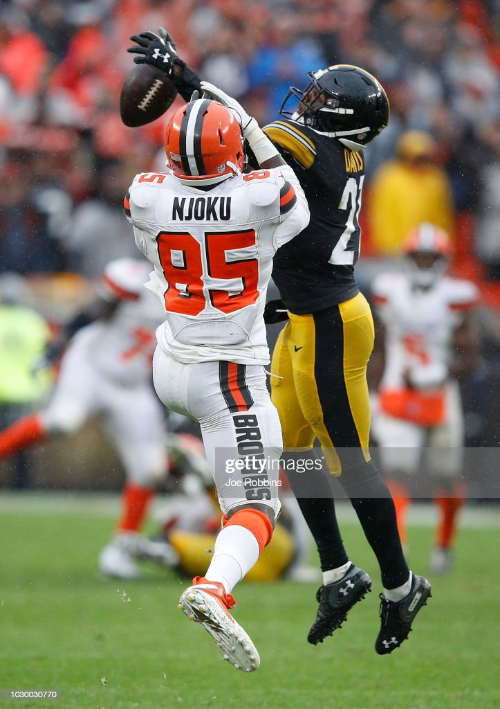 Sean Davis #21 of the Pittsburgh Steelers breaks up a pass intended for David Njoku #85 of the Cleveland Browns during the fourth quarter at FirstEnergy Stadium on September 9, 2018 in Cleveland, Ohio. The game ended in 21-21 a tie.