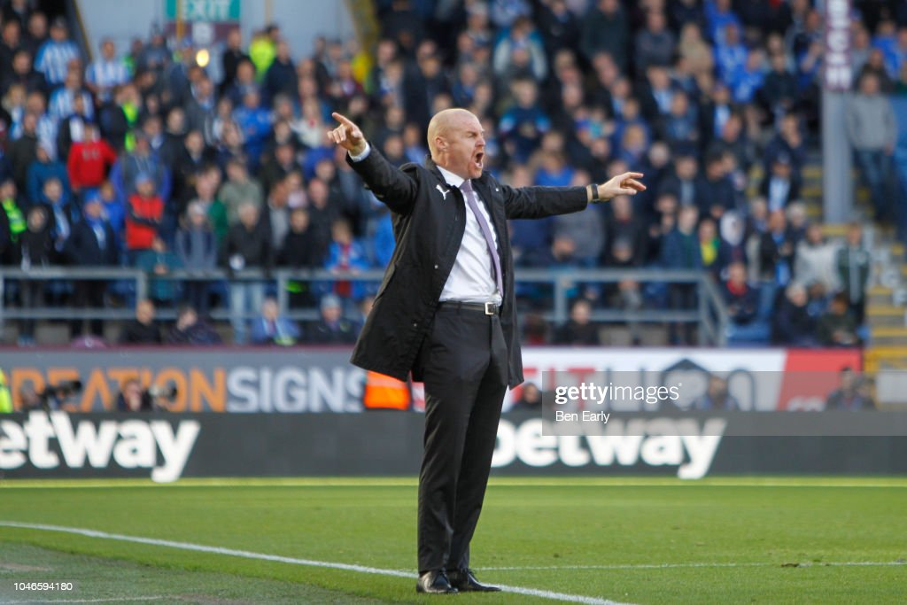 Burnley FC v Huddersfield Town - Premier League : News Photo