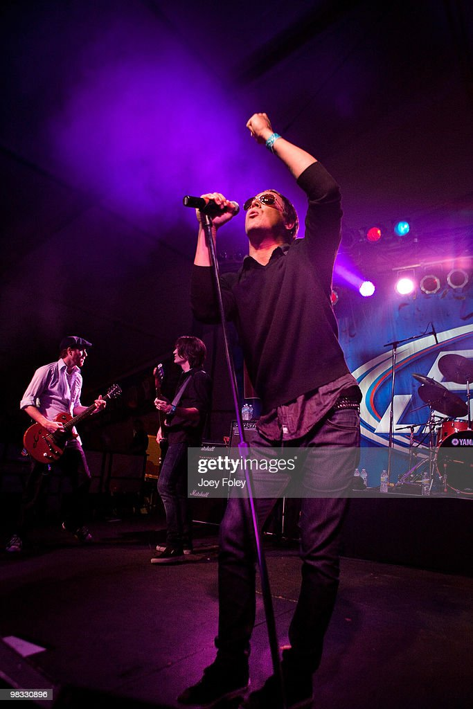 Sean Hennesey Adam Kury and Kevin Martin of Candlebox perform in free concert at the & Candlebox In Concert Photos and Images | Getty Images