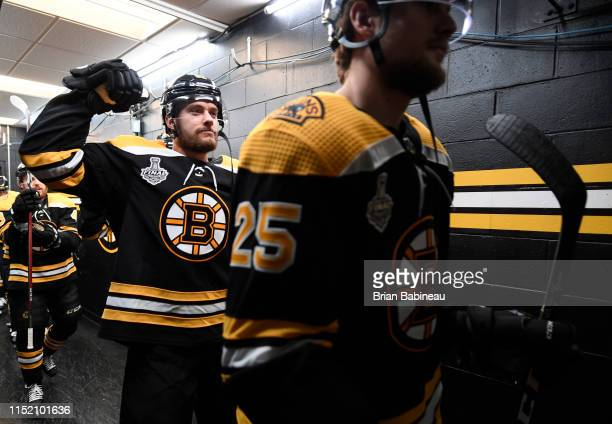 Sean Kuraly of the Boston Bruins flexes in the tunnel prior to the start of the game against the St. Louis Blues in the Stanley Cup Final at the TD...
