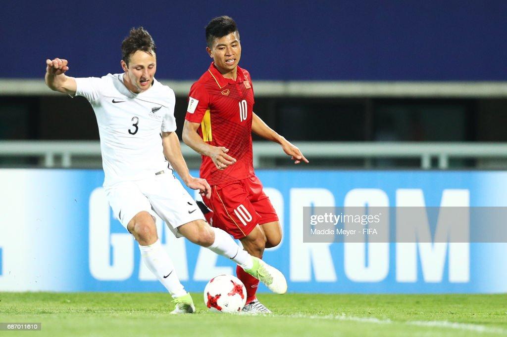 Sean Liddicoat of New Zealand clears the ball ahead of Thanh Binh Dinh of Vietnam during the FIFA U-20 World Cup Korea Republic 2017 group E match between Vietnam and New Zealand at Cheonan Baekseok Stadium on May 22, 2017 in Cheonan, South Korea.