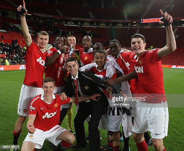 Sean McGinty Paul Pogba Sam Johnstone Jesse Lingard John Cofie Tyler Blackett and Gyliano van Velzen and Michael Keane of Manchester United Academy...