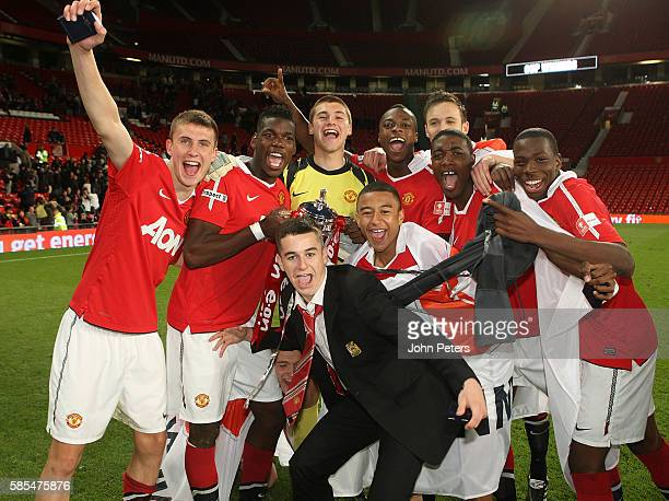 Sean McGinty Paul Pogba Sam Johnstone Jesse Lingard John Cofie Tyler Blackett and Gyliano van Velzen of Manchester United Academy Under18s celebrate...