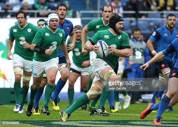 Sean O'Brien of Ireland in action during the RBS 6 Nations match between France and Ireland at Stade de France on February 13 2016 in SaintDenis...
