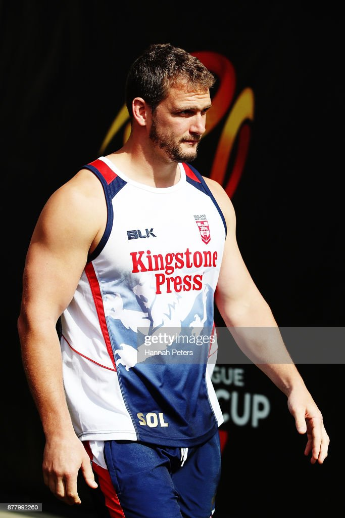 Sean O'Loughlin arrives for the England Rugby League World Cup Semi Final Captain's Run at Mt Smart Stadium on November 24, 2017 in Auckland, New Zealand.