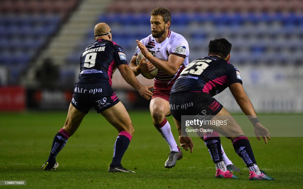 Wigan Warriors v Hull FC - Betfred Super League Play-Off Semi-Final : News Photo