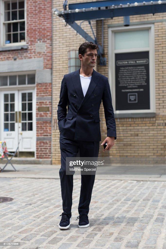 Street Style - NYFW: Men's July 2017 - Day 2 : News Photo