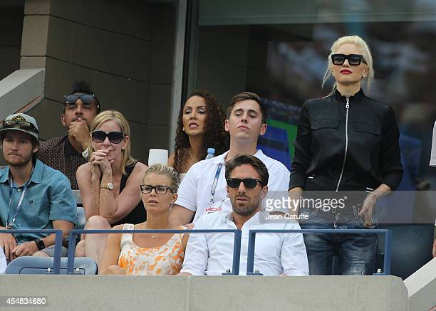 Sean Paul and his wife Jordi Stewart Chris Evert Henrik Lundqvist and his wife Therese Andersson Gwen Stefani attend the men's semi finals during Day...