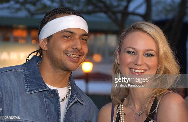 Sean Paul and Jewel during MTV and VH1 Present '100% NYC A Concert Celebrating The Tribeca Film Festival' Backstage at Battery Park City in New York...