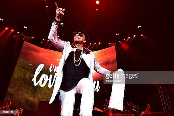Sean Paul performs at The Conglomerate And Hot 97 Present 'Busta Rhymes And Friends Hot For The Holiday' show at Prudential Center on December 5 2015...