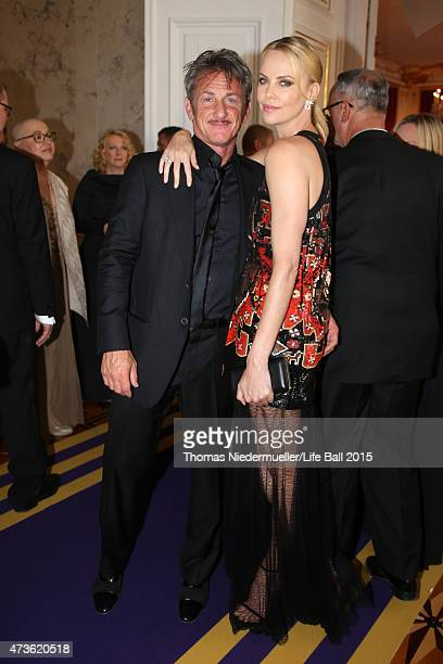 Sean Penn and Charlize Theron attend the AIDS Solidarity Gala at Hofburg Vienna on May 16 2015 in Vienna Austria