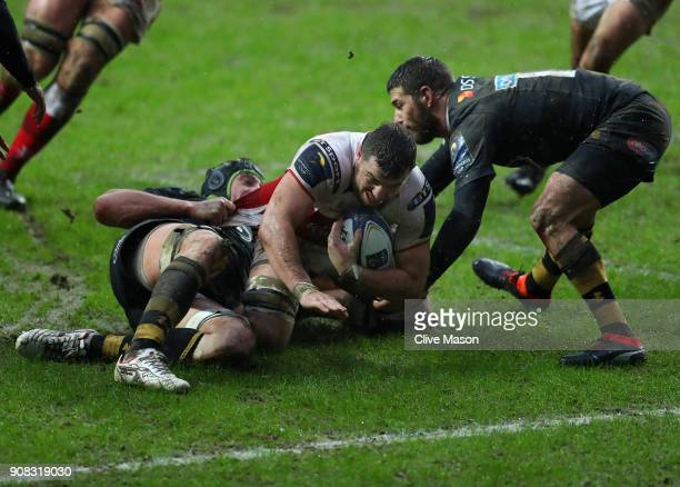 Sean Reidy of Ulster drives over to score a try during the European Rugby Champions Cup match between Wasps and Ulster Rugby at Ricoh Arena on...