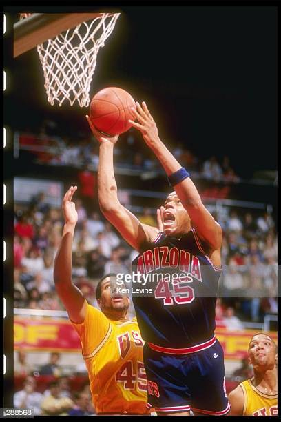 Sean Rooks of the Arizona Wildcats goes up for two during a game Mandatory Credit Ken Levine /Allsport
