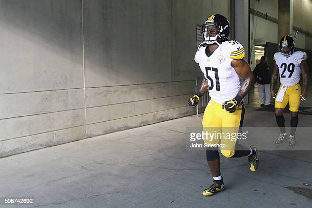 Sean Spence of the Pittsburgh Steelers takes the field before the game against the Cincinnati Bengals at Paul Brown Stadium on December 13 2015 in...