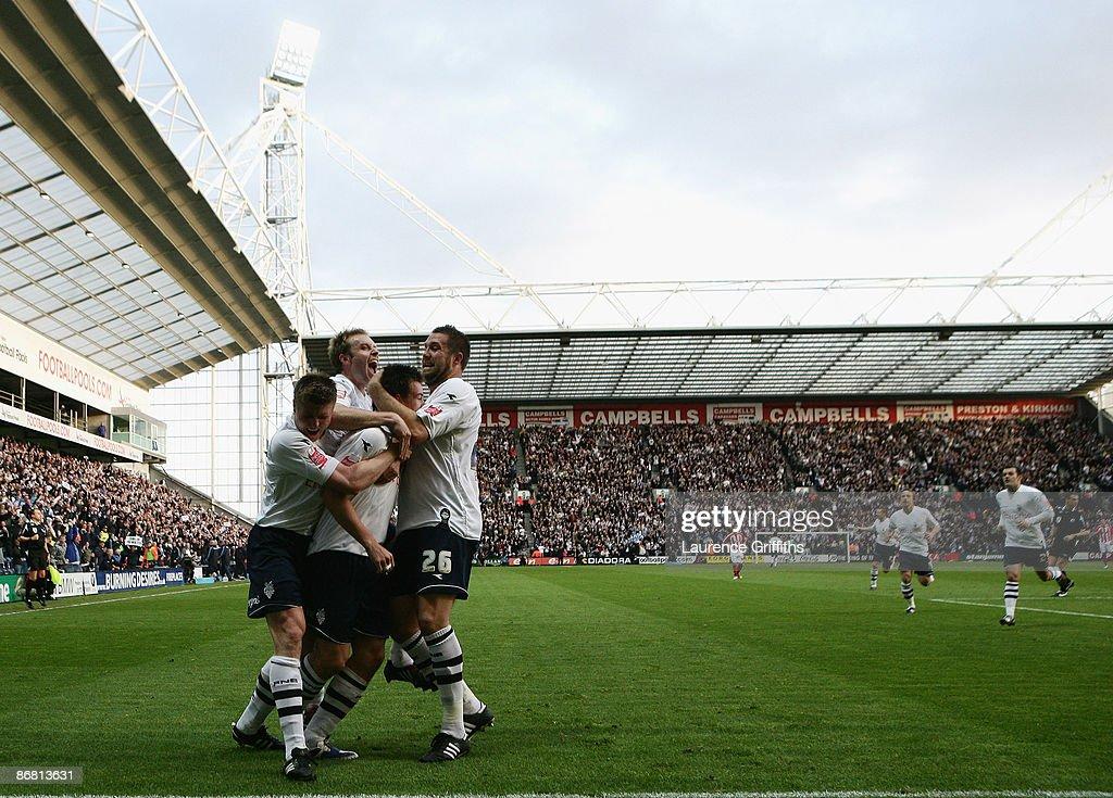 Preston North End v Sheffield United : News Photo