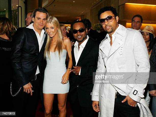 Sean Stewart and singer Caleigh Peters pose with singers Rayvon and Shaggy at the Los Angeles County Sheriff's Youth Foundation's annual Salute To...