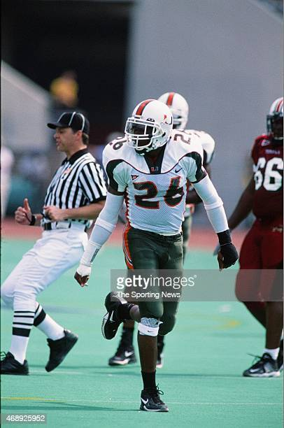 Sean Taylor of the Miami Hurricanes runs against the Temple Owls on September 14 2002