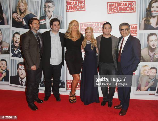 Seann William Scott Jon Hurwitz Jennifer Coolidge Tara Reid Hayden Schlossberg and Eugene Levy at the Irish premiere of American Pie The Reunion at...