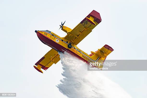 Seaplane firefighting dropping water