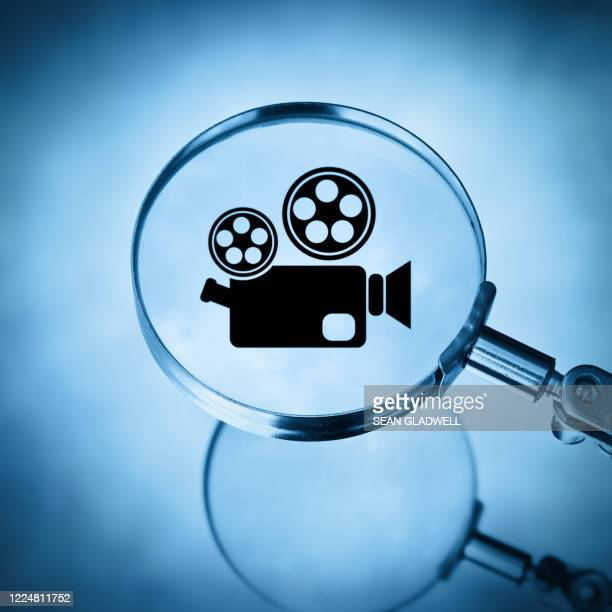 search for movies - film and television screening stock pictures, royalty-free photos & images