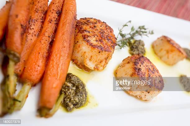 Noix de Saint-Jacques poêlées avec du Pesto et carotte