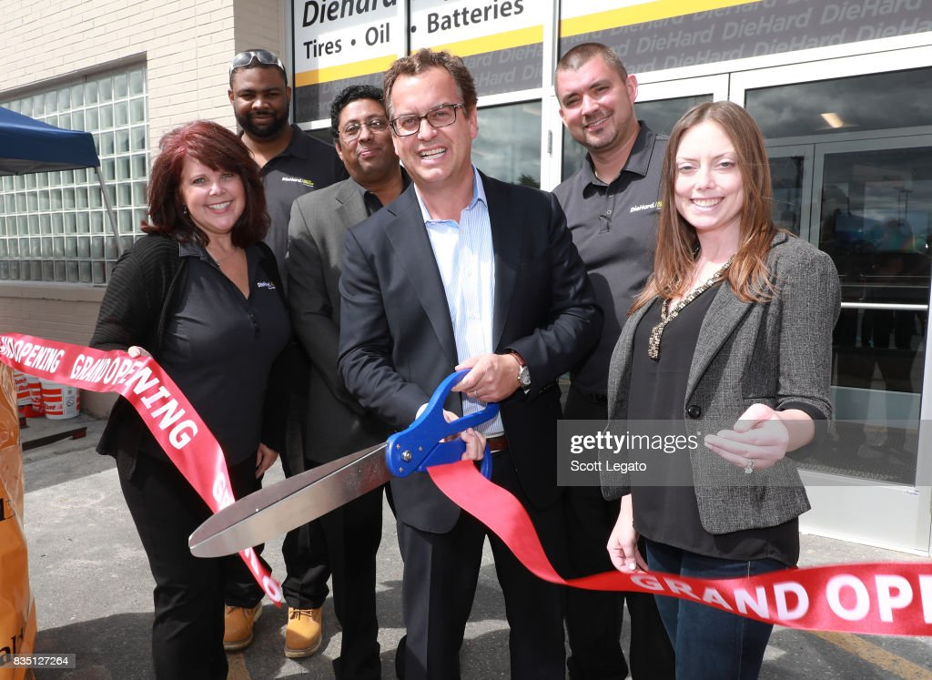 Sears Opens DieHard Auto Center In Troy, Michigan