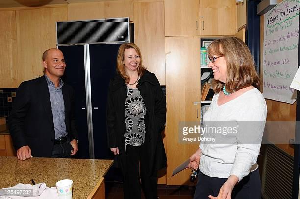 Sears Executive Vice President John Goodman VP/GMM of Sears Apparel Julie Cashion and Midge Wilson of the Bay Area Women's Center tour the Tenderloin...